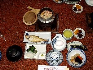 蟹釜飯の付いた朝食